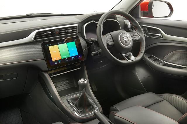 Còn chưa ra mắt tại Việt Nam, MG ZS đã có bản nâng cấp ở nước ngoài nhằm đối đầu với Hyundai Kona và Honda HR-V - Ảnh 3.