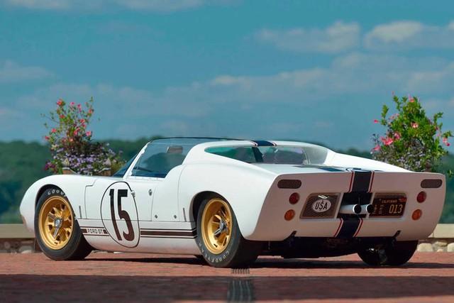 Ford GT mui trần khủng nhất, hiếm nhất thế giới được rao bán với giá chát kỷ lục - Ảnh 2.