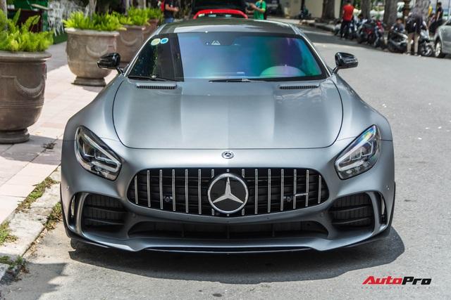Doanh nhân Nguyễn Quốc Cường lần đầu cầm lái Mercedes-AMG GT-R lên phố, hội ngộ cùng siêu xe McLaren 720S Spider - Ảnh 3.