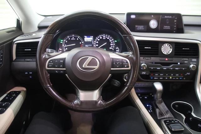 Lexus RX 350 sau 50.000 km giữ giá sốc: Xe cũ đắt hơn Porsche Macan đập hộp vài trăm triệu đồng - Ảnh 3.