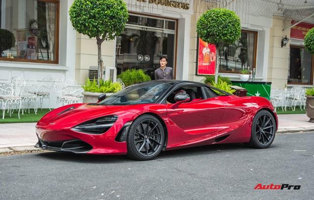 McLaren 720S Spider màu đỏ độc nhất Việt Nam đến nay mới ra biển số: Dãy số gánh và lộc phát gây chú ý - Ảnh 1.
