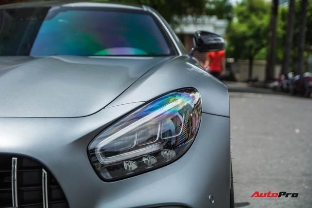Bóc tách tùy chọn trên Mercedes-AMG GT R của doanh nhân Nguyễn Quốc Cường: Riêng màu sơn đã ngang ngửa một chiếc Honda SH - Ảnh 3.