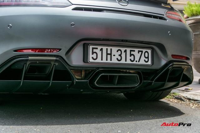 Bóc tách tùy chọn trên Mercedes-AMG GT R của doanh nhân Nguyễn Quốc Cường: Riêng màu sơn đã ngang ngửa một chiếc Honda SH - Ảnh 8.