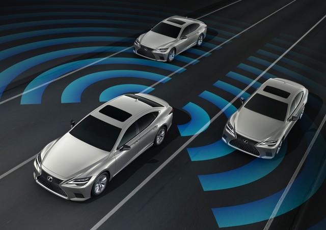 Lexus tung cải tiến nhẹ cho LS, gia tăng tính cạnh tranh trước Audi A8, BMW 7-Series - Ảnh 7.