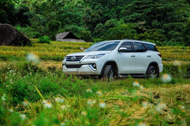 Toyota Fortuner tăng lực trong tháng 7 - Vua SUV 7 chỗ củng cố ngôi vị - Ảnh 1.