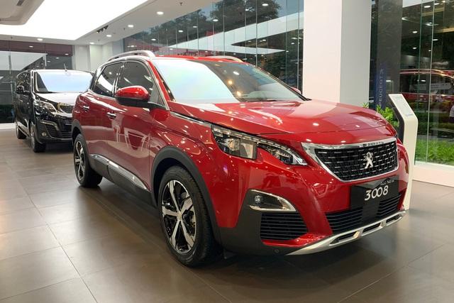Peugeot 3008 và 5008 giảm giá kỷ lục, còn từ dưới 1 tỷ đồng, cạnh tranh xe Nhật, Hàn - Ảnh 1.
