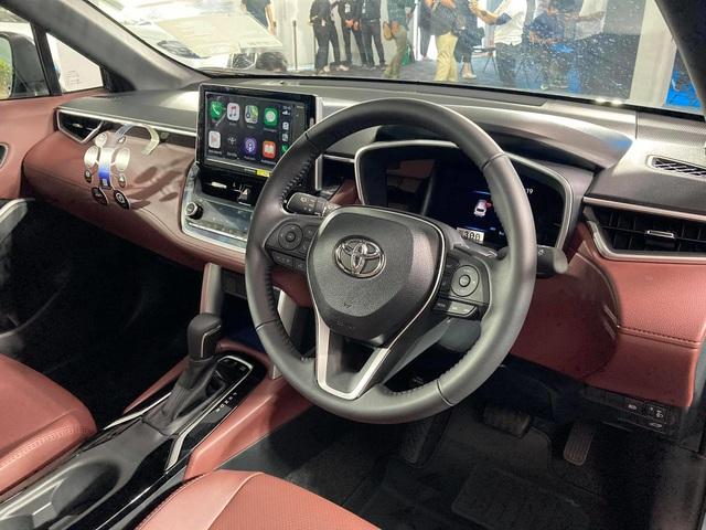 Chi tiết Toyota Corolla Cross ngoài đời thực: Giống RAV4, đại lý tại Việt Nam ồ ạt nhận đặt cọc, giao xe tháng 8 - Ảnh 11.