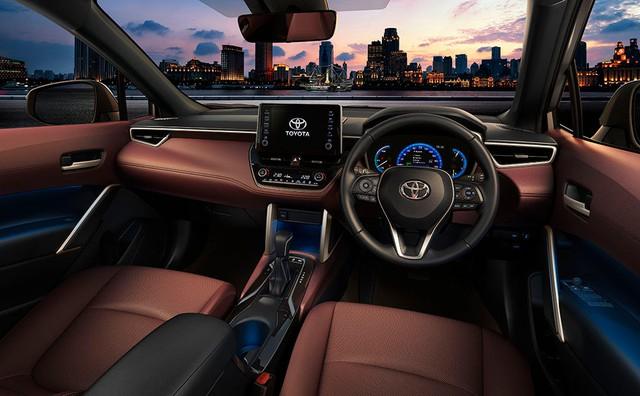 Toyota Corolla Cross ra mắt: Bom tấn SUV đấu Honda CR-V về Việt Nam chỉ tính bằng ngày - Ảnh 5.
