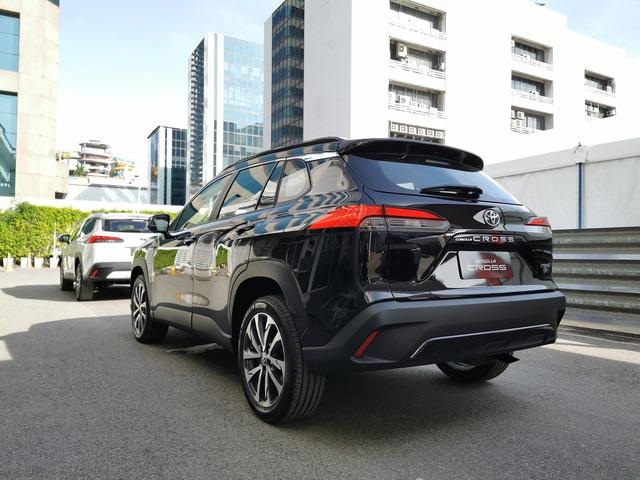 Chi tiết Toyota Corolla Cross ngoài đời thực: Giống RAV4, đại lý tại Việt Nam ồ ạt nhận đặt cọc, giao xe tháng 8 - Ảnh 5.