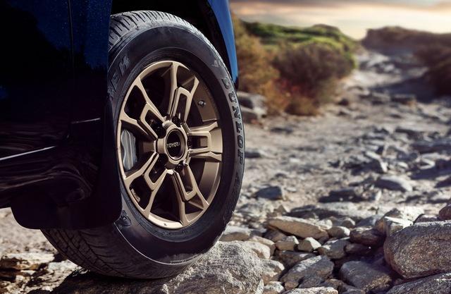 Ra mắt Toyota Land Cruiser 2021 - chiến binh sa mạc ưa thích của giới nhà giàu Trung Đông - Ảnh 1.