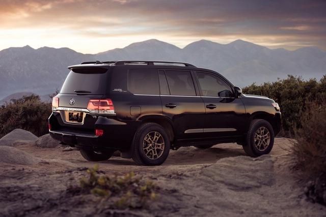 Ra mắt Toyota Land Cruiser 2021 - chiến binh sa mạc ưa thích của giới nhà giàu Trung Đông - Ảnh 2.