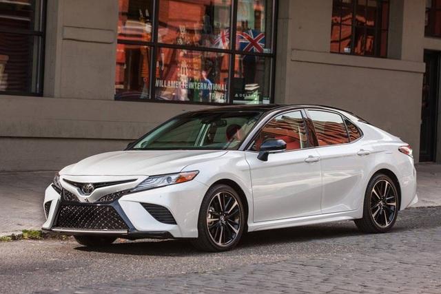 Chủ xe Toyota Camry chi hơn 20 triệu đồng độ kiểu xe nhập Mỹ - Ảnh 3.