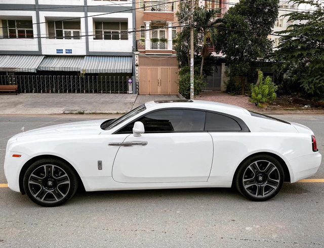 Hàng hiếm Rolls-Royce Wraith được rao bán cùng lời chia sẻ: Mua mới hơn 30 tỷ, bán cũ hơn 13 tỷ - Ảnh 2.
