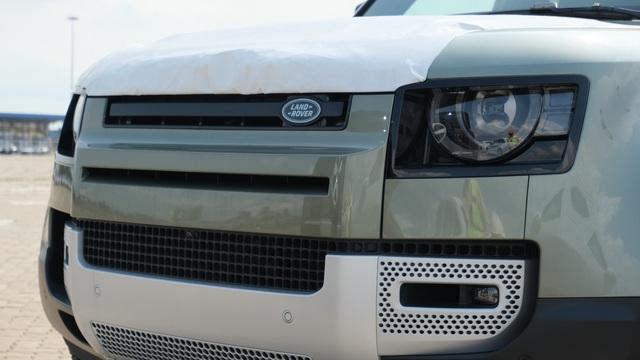 Chi tiết Land Rover Defender 2020 vừa khui công tại Việt Nam: Giá khoảng 5 tỷ đồng, đấu Mercedes G-Class - Ảnh 3.