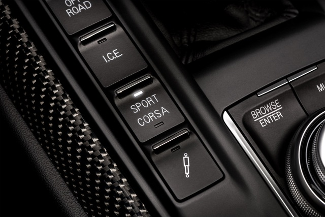 Maserati bổ sung đội hình Trofeo mạnh mẽ nhất bằng Ghibli, Quattroporte mới - Ảnh 6.