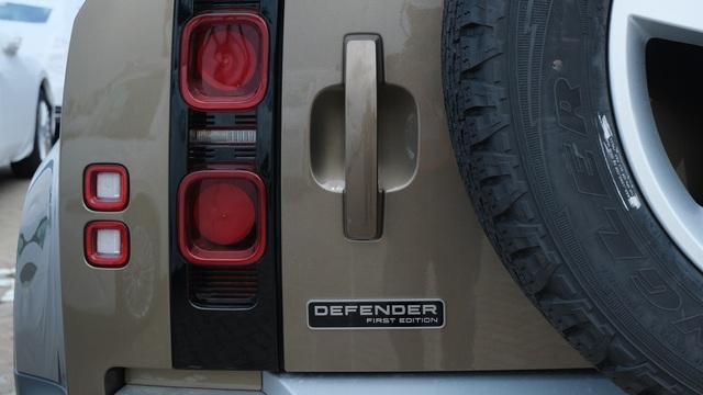 Chi tiết Land Rover Defender 2020 vừa khui công tại Việt Nam: Giá khoảng 5 tỷ đồng, đấu Mercedes G-Class - Ảnh 4.