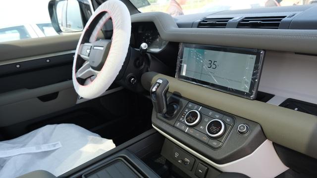 Chi tiết Land Rover Defender 2020 vừa khui công tại Việt Nam: Giá khoảng 5 tỷ đồng, đấu Mercedes G-Class - Ảnh 5.