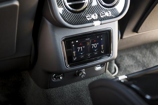 Siêu SUV nhanh nhất thế giới Bentley Bentayga Speed nâng cấp với những đỉnh cao mới cho giới nhà giàu - Ảnh 8.