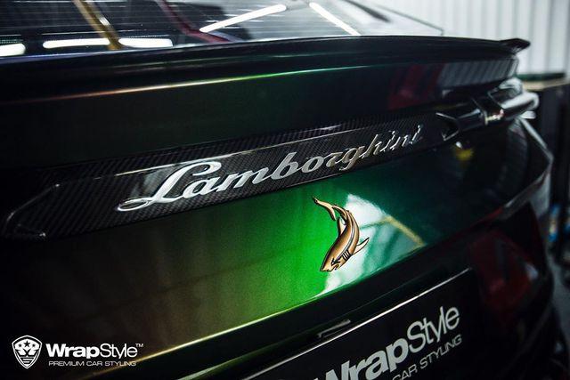 Lamborghini Urus đổi màu cực độc tại Sài Gòn, riêng bodykit có giá đắt ngang Toyota Camry - Ảnh 4.