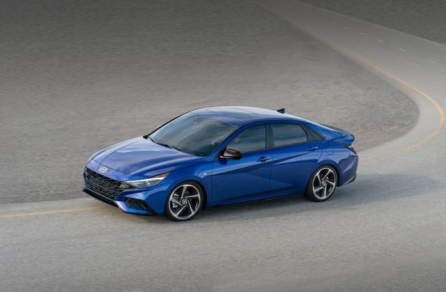 Ra mắt Hyundai Elantra N Line: Động cơ 1.6L tăng áp, có bản số sàn - Ảnh 4.
