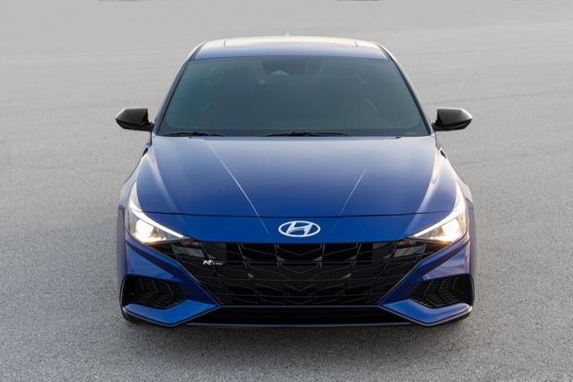 Ra mắt Hyundai Elantra N Line: Động cơ 1.6L tăng áp, có bản số sàn - Ảnh 5.