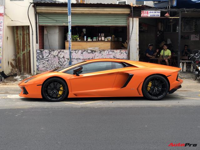 Cận cảnh Lamborghini Aventador LP700-4 độ hệ thống ống xả ngàn đô tại Sài Gòn - Ảnh 4.