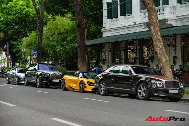 Thánh địa siêu xe Hà Thành tấp nập trở lại với loạt siêu xe, xe sang có giá trị cả trăm tỷ đồng - Ảnh 1.