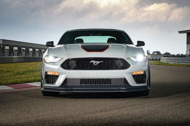 Ford Mustang hoàn toàn mới sẽ ra mắt vào năm 2022 - Ảnh 1.