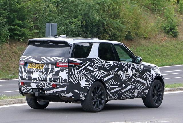 Land Rover Discovery 2021 lần đầu lộ màn hình 'khủng long' - Ảnh 4.