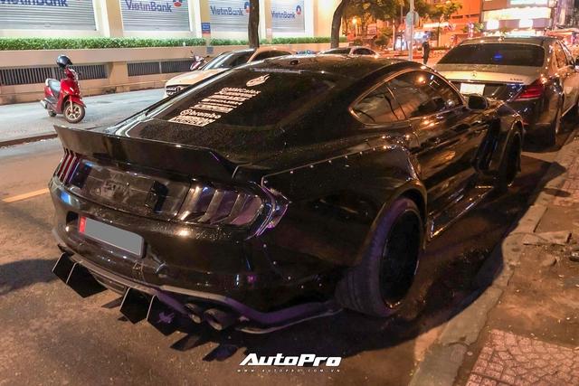 Bắt gặp Ford Mustang GT 5.0 độ bodykit thân rộng độc nhất Việt Nam - Ảnh 4.