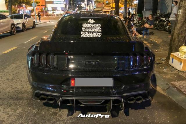 Bắt gặp Ford Mustang GT 5.0 độ bodykit thân rộng độc nhất Việt Nam - Ảnh 5.