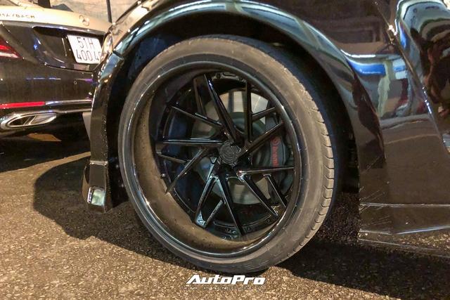 Bắt gặp Ford Mustang GT 5.0 độ bodykit thân rộng độc nhất Việt Nam - Ảnh 3.