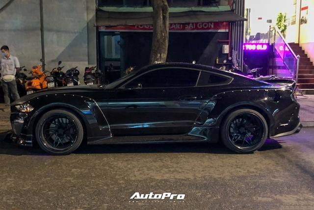 Bắt gặp Ford Mustang GT 5.0 độ bodykit thân rộng độc nhất Việt Nam - Ảnh 7.