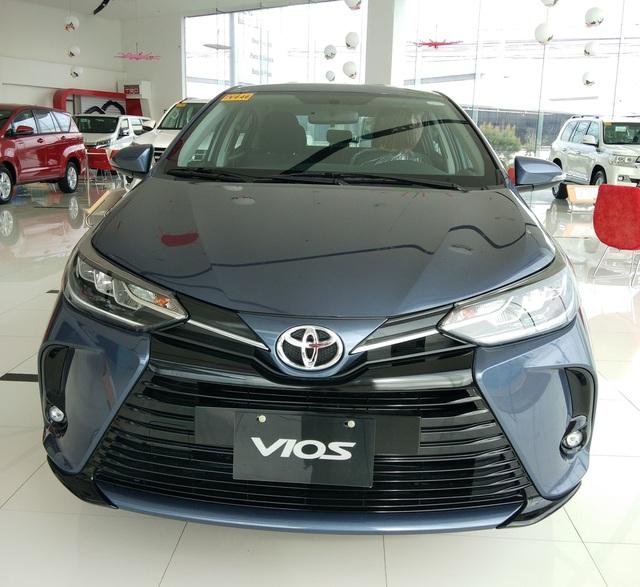Chi tiết Toyota Vios 2021 tại đại lý: Đầu đẹp như Camry, đáng để người Việt chờ đợi - Ảnh 1.