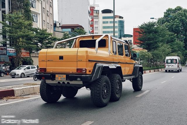 Cực phẩm Mercedes-Benz G63 AMG 6x6 của đại gia bí ẩn lăn bánh trên đường phố Hà Nội - Ảnh 4.