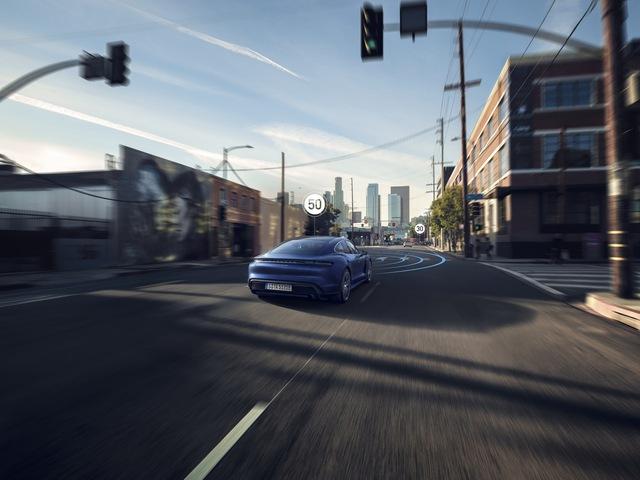 Ra mắt chưa lâu, Porsche Taycan đã được ưu ái nâng cấp phiên bản mới - Ảnh 3.