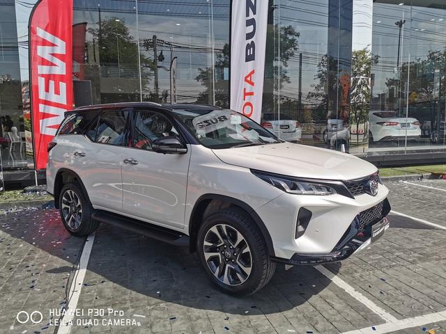Đại lý ồ ạt nhận đặt cọc Toyota Fortuner 2020: Xe về giữa tháng 9, giá tăng nhẹ, bản máy dầu lắp ráp trong nước - Ảnh 3.