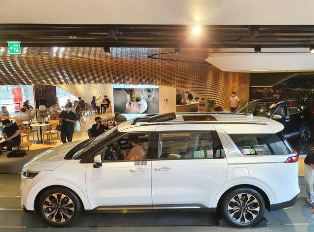 Chi tiết Kia Sedona 2021 ngoài đời thực: Đẹp như xe sang, dân Hàn đổ xô đặt mua, chờ THACO lắp ráp tại Việt Nam - Ảnh 5.