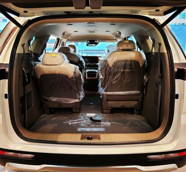 Chi tiết Kia Sedona 2021 ngoài đời thực: Đẹp như xe sang, dân Hàn đổ xô đặt mua, chờ THACO lắp ráp tại Việt Nam - Ảnh 8.