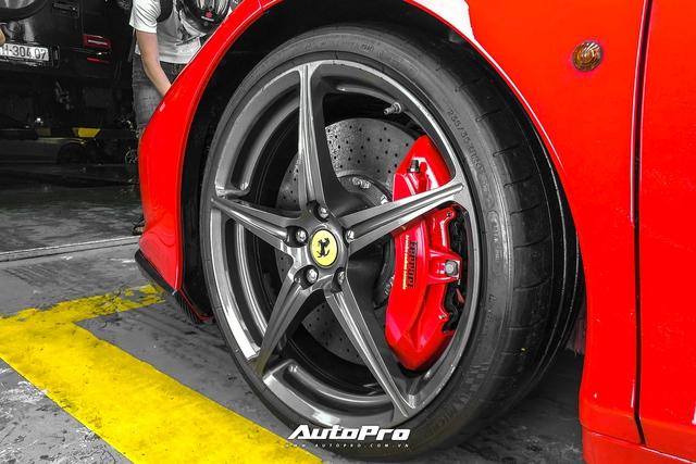 Soi nội thất siêu độc của Ferrari 458 Italia vừa về Việt Nam - Ảnh 4.