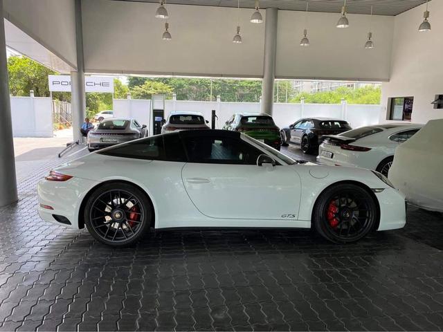 Doanh nhân Đà Lạt bất ngờ chia tay Porsche 911 Targe 4 GTS độc nhất Việt Nam sau 4 tháng tậu xe - Ảnh 2.