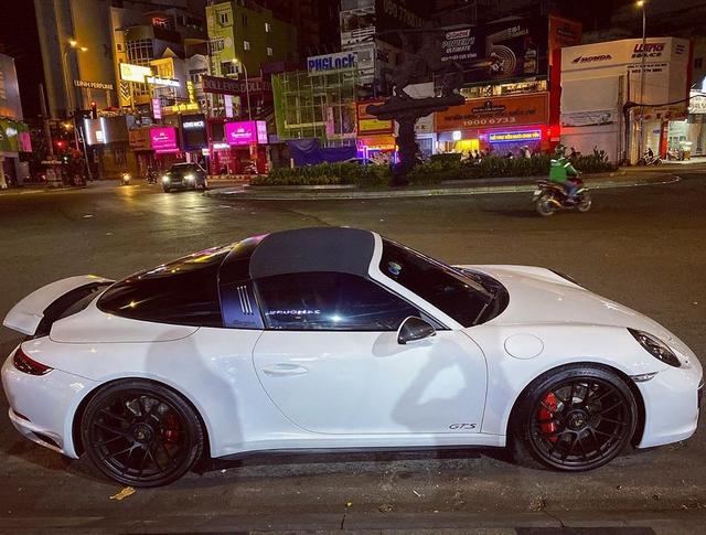 Doanh nhân Đà Lạt bất ngờ chia tay Porsche 911 Targe 4 GTS độc nhất Việt Nam sau 4 tháng tậu xe - Ảnh 3.