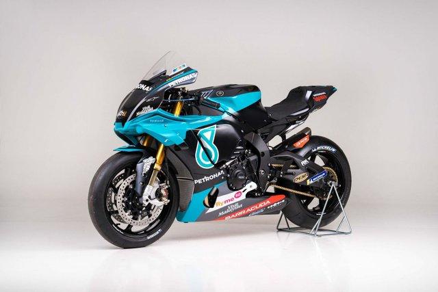 Bản sao MotoGP Petronas Yamaha SRT YZF-R1 2020 - Ảnh 4.
