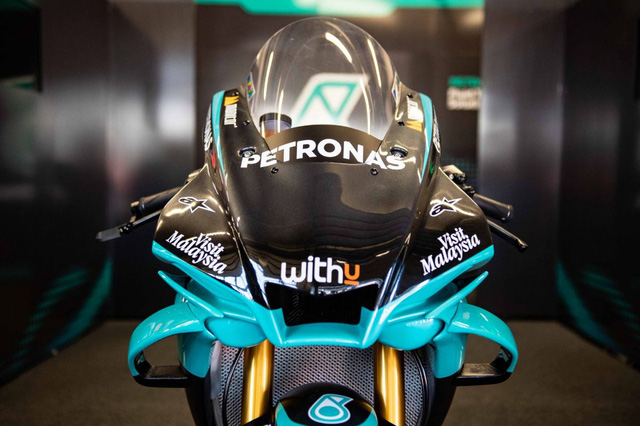 Bản sao MotoGP Petronas Yamaha SRT YZF-R1 2020 - Ảnh 2.