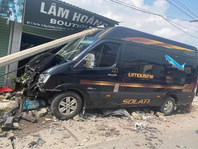 Xe 16 chỗ lao vào nhà dân gây tai nạn nghiêm trọng: Người sang đường tùy tiện gặp tài xế vượt ẩu - Ảnh 2.