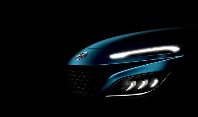Hé lộ thiết kế Hyundai Kona 2021: Đầu xe điệu đà hơn, bản hiệu suất cao hầm hố kiểu Lamborghini Urus - Ảnh 1.