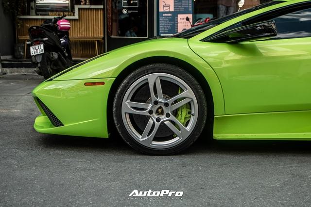 Sau một tháng về tay chủ mới, Lamborghini Murcielago xanh cốm độc nhất Việt Nam tái xuất trên phố Sài Gòn - Ảnh 4.