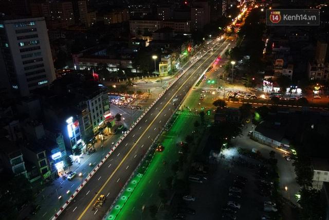 Chùm ảnh: Nhìn từ trên cao cây cầu vượt dầm thép nối liền 3 quận nội thành Hà Nội trước ngày thông xe - Ảnh 16.