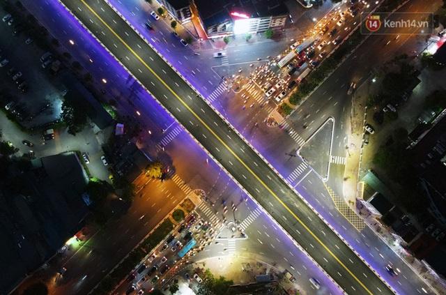 Chùm ảnh: Nhìn từ trên cao cây cầu vượt dầm thép nối liền 3 quận nội thành Hà Nội trước ngày thông xe - Ảnh 18.