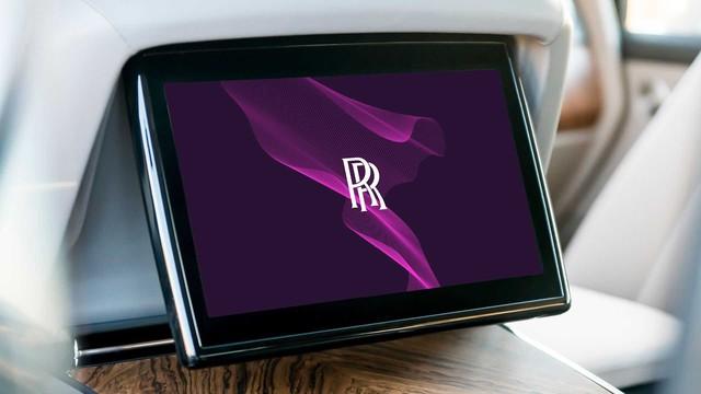 Rolls-Royce công bố logo, màu biểu trưng mới khi không còn là hãng xe truyền thống - Ảnh 3.